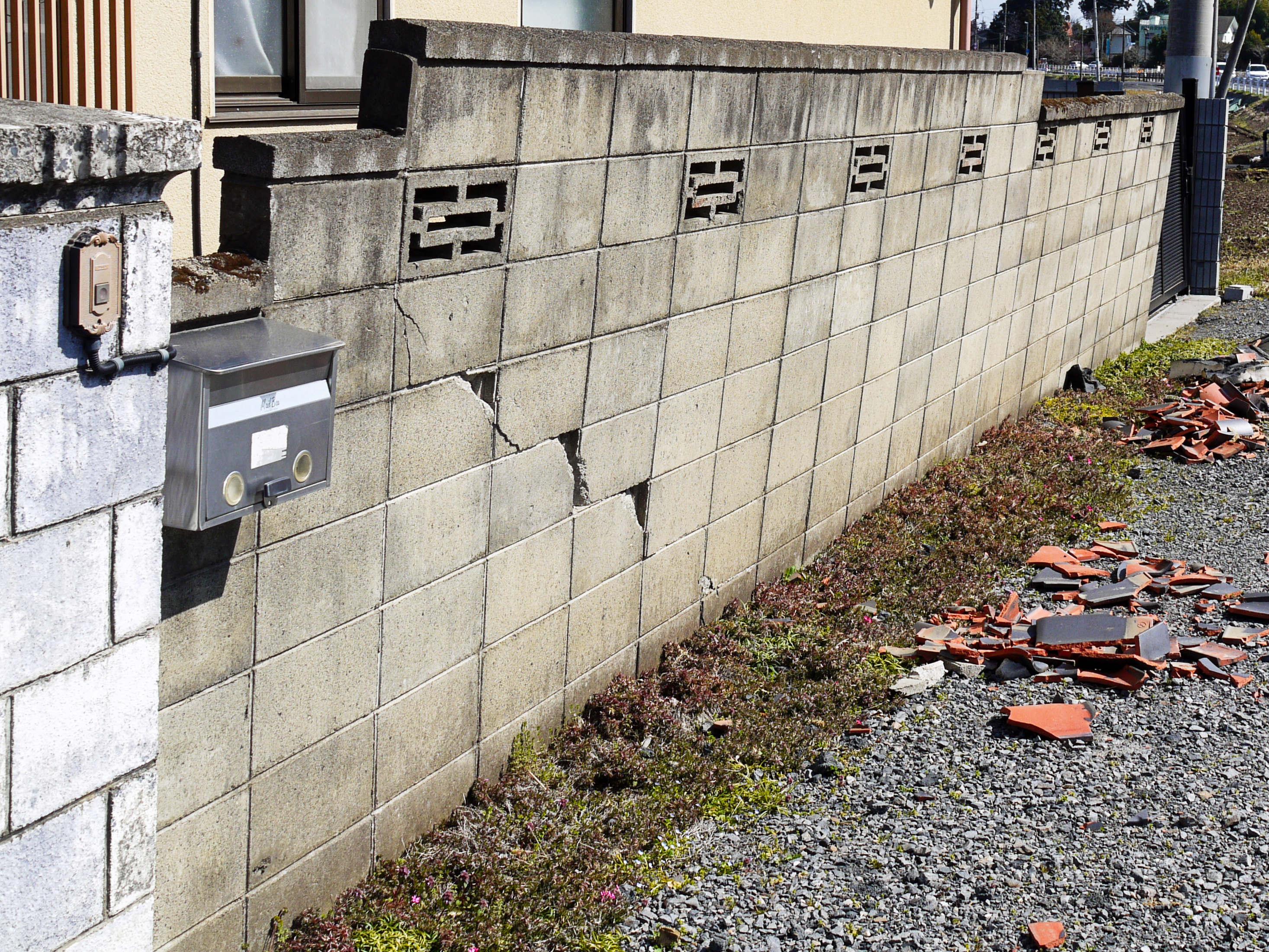 施工不良のブロック塀の特徴